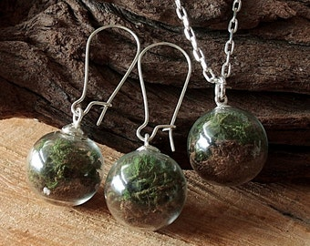 Moss and Earth Set, Silver, Necklace and Earrings, Terrarium, Jewelry set, Glass Globe, Real Flowers
