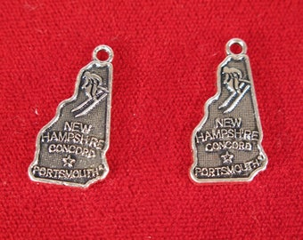 """10pc """"New Hampshire"""" charms in antique silver style (BC1234)"""