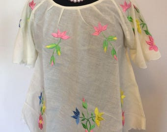 Floral Embroidered Blouse - L