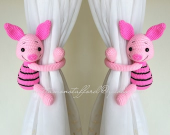 A pair of Piglet curtain tie back.  Crochet tie back.   MADE TO ORDER***