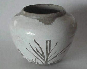 Southwest Native American Indian Hand Designed Pottery VASE Signed JMS