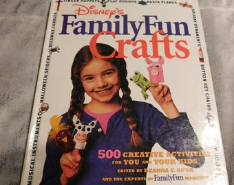 Disney's Family Fun Crafts Book
