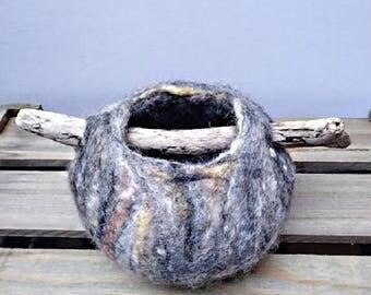 Pebble, Wet Felted Pot, Felt Pot, Wool Pot, Driftwood Pot, Wet Felted Bowl, Jewelry Pot, 12 cm felt bowl, Felt Art, Wool Vessel