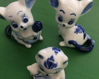 Set of 3 Vintage Blue and White Folk Cat and Mice