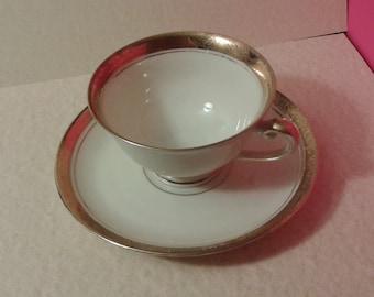 Alka Kunst Bone China cup & saucer