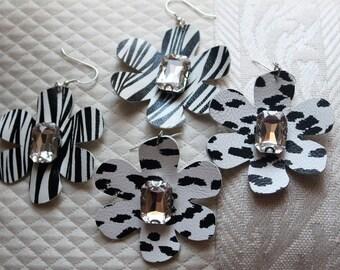 leather flower earrings / zebra, leopard