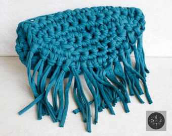 Fringe clutch made of recicled t-shirt (jersey) yarn in crochet with zipper and lining