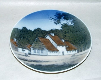 """Vintage 1962 Royal Copenhagen 4.5"""" Plate with Sharpshooter Peter Lieps House"""