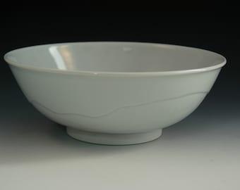 White Porcelain Bowl, Minimalist Large Bowl, Ceramic Centerpiece Bowl, White Salad Bowl, Handmade Noodle Bowl, Hand Thrown Serving Bowl