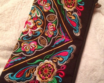 Embroidered Festival clutch