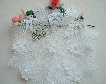 Crochet roses Centre of Ireland. Crochet casa romantica. Cotton white lace centerpiece. The Centre shabby chic in crochet