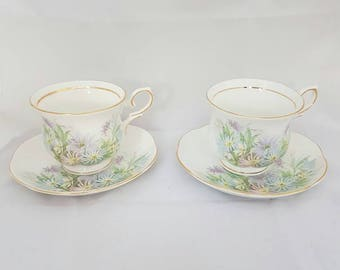 Vintage//Cambridge Garden fine bone China england//Set//2 cups//Golden edge//gorgeous floral motif//pastel//high tea