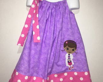 Doc McStuffins Boutique Birthday Party Pillowcase Summer Dress Girl Outfit! Sizes  2 ,3, 4, 5, 6, 7, 8 Doctor Toy Hospital Junior Hair Bow!