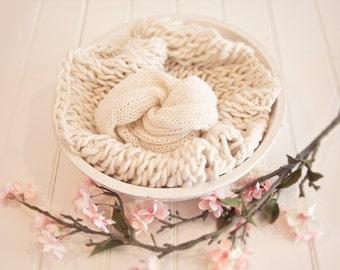 Merino  Baby Handspun Blanket Photo prop - White Ivory - newborn Basket filler - Toddler Portrait