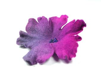 Flower brooch, felted brooch, felted flower,violet, purple Feltmondo