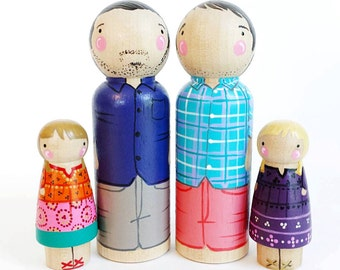 CUSTOM peg doll family of 4 // 2 parents and 2 kids/pets // personalized peg dolls // wooden dolls // custom family portrait // wooden toys