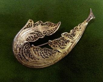 PIN feather. Golden filigree. Topazio. Portugal. Year 50