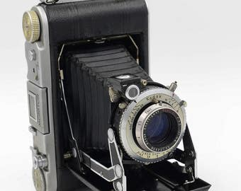 WWII- Era Folding Kodak Monitor 620 Bellows Vest Pocket Camera w/101mm Anastigmat Lens