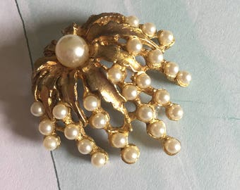 Cascading Pearl and Gold Tone Metal Brooch - Vintage AJC Brooch - Jelly Fish Brooch with Pearlescent Beads