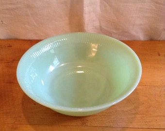 Fire King JADEITE Serving BOWL. Wonderful Condition. JANE Rey Design. Nice Larger Size. Midcentury Delight.