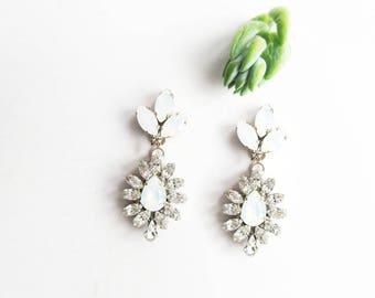 Opal Bridal Earrings, Opal Chandelier Earrings, Wedding Drop Earrings, Crystal Drop Earrings, Drop Earrings, Wedding Earrings, Opal Earrings
