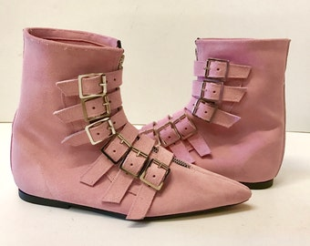 Original Pikes-6 Buckle Boots in Pink Suede
