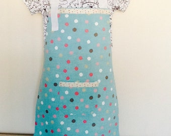 Childs full apron/cover -up