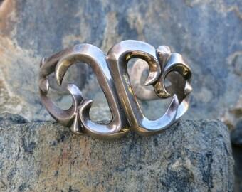 NAVAJO SAND CAST Vintage Silver Bracelet, 40 Grams, Handmade, Sterling