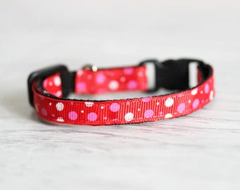 Red Cat Collar Bright Collar with Bell Cat Collar Breakaway Buckle Collar Adjustable Cat Collar Red Collar Gift for Cat Lovers Safety collar