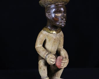 Kongo fetish statue from Afric , the Democratic Republic of Congo