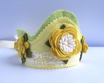 Birthday crown, girl crown, toddler crown, wool flet crown, yellow crown