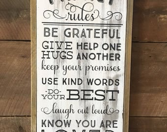 Family Rules Wooden Wall Hanging