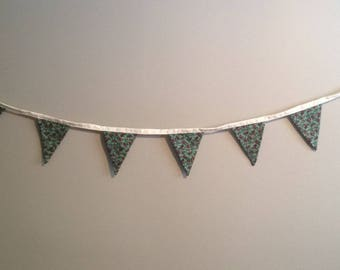 Bunting Flag Banners - Hint of Gold Pattern