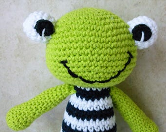crochet green frog, stuffed animal for children and adults who love frogs, super soft and squishy, toddler's toy plushy, gifts under 30