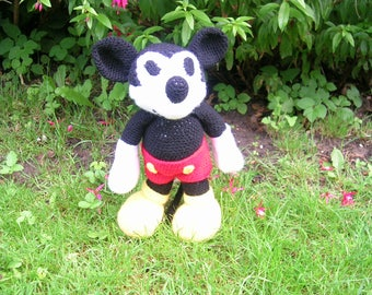 crochet Mickey Mouse,gehaakte mickey mouse,birthday gift,hand made,