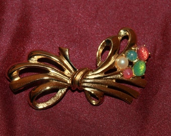 A1 Vintage Signed Richelieu Jelly Belly and Pearl Floral Bouquet Pin Brooch