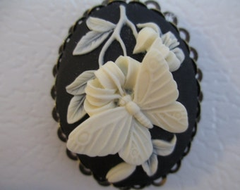 Cameo {Butterfly} Magnet