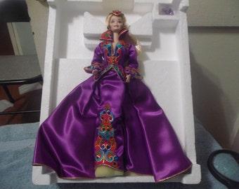 1993 Royal Splendor Porcelain Barbie Doll Limited Edition