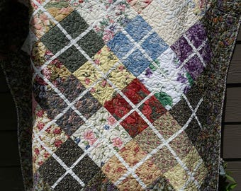 Quilt, Floral, custom quilted