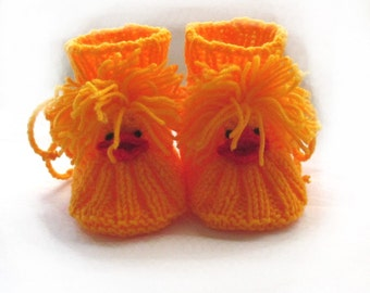Knitted baby booties,knitted yellow booties,knitted birds booties,knit birds,chicks booties