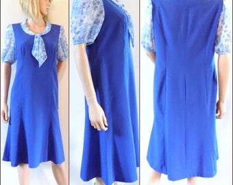 Vintage blue 60s/70s French dress pretty panelled dress size medium