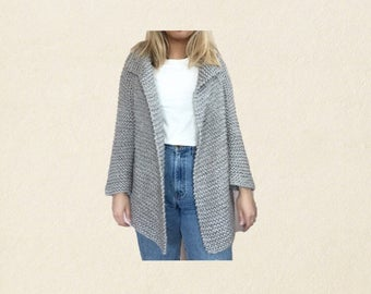 chunky oversized gray sweater // size medium womens