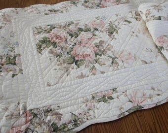 Set of 2 Quilted Pillow Shams, Bedding, Patchwork Pillow Covers, Pillowcases, Pair, Set of 2, Roses, Shabby Chic, French, Country