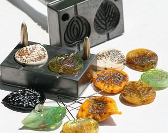 Stamp graphite leaf Lampwork