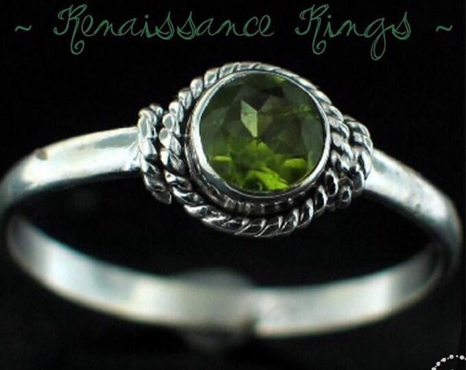 Renaissance Ring, Green, Peridot, Sterling Silver, Ireland, Irish, Emerald, Jewellry, Connemara, Wild Atlantic Way, Irish Jewellry, Eire