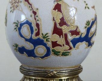 Satsuma table lamp. Antique japanese Satsuma lamp from the 19th century.
