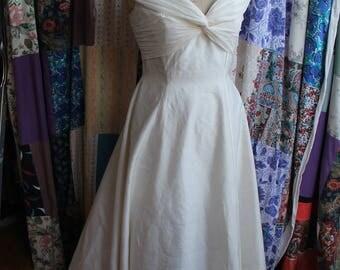 ivory silk flared dress REF566