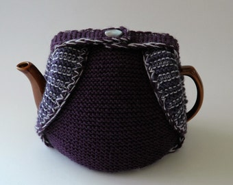 Woollen tea cosy knitted in shades of purple, medium size - ready to ship