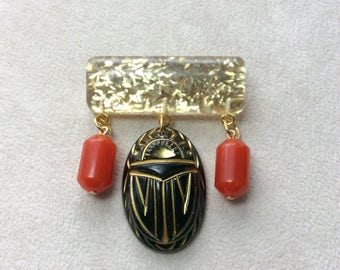 Mystic Nile - Gold Confetti Lucite Style Deco Egyptian Revival Scarab / Beetle Brooch in Black and Brick Red
