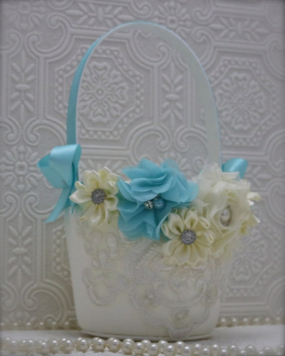 Flower Girl Baskets Canada : Flower girl basket and ring